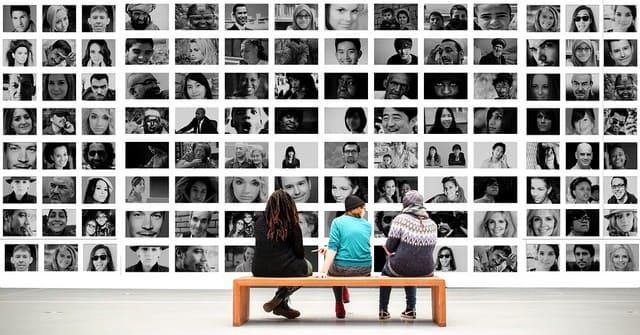 социальные сети онлайн знакомств и игр